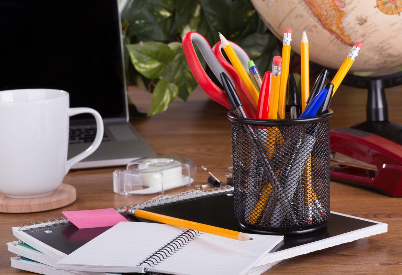 portapenne e porta block notes per tenere in ordine la scrivaniua